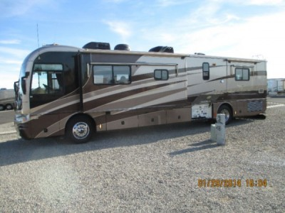 2004 Fleetwood Revolution 40Ft