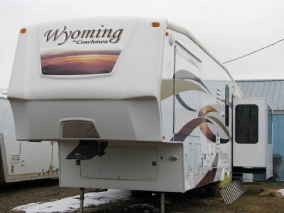 2009 Coachmen Wyoming 335RETS 37-Foot