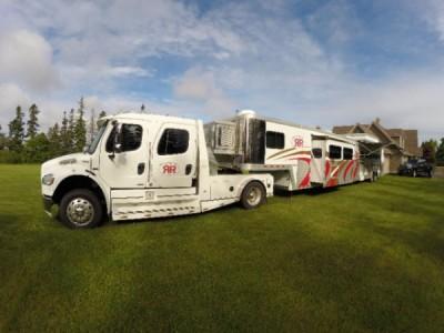 2006 Bloomer 5 Horse LQ Fifthwheel + 2007 Freightliner Truck Combo