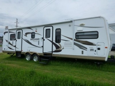 2013 Forest River Rockwood Signature Ultralite 8315BSS