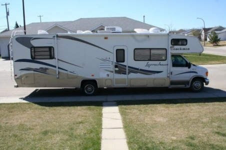 2004 Coachmen Leprechaun 317KS