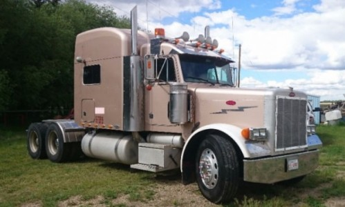 2004 Peterbilt 379 shortnose Truck