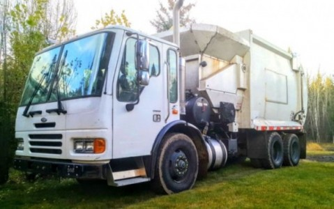 2005 Sterling Garbage Truck