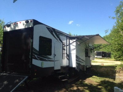 2014 Dutchman Voltage 3305 Toy Hauler