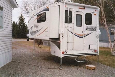 2011 Lance 1181 Camper