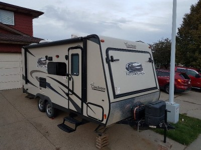 2015 Coachmen Freedom Express 21TQX
