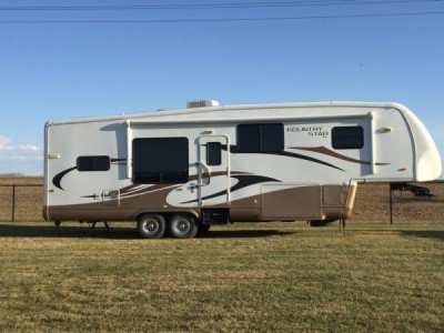 2011 Newmar Kountry Star 32Ft