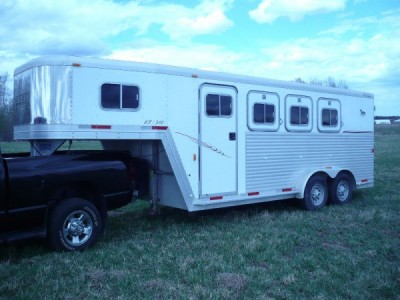 2001 Exiss 3 Horse Hauler 22Ft