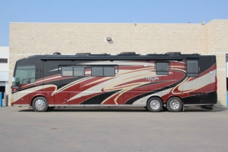2011 Winnebago Tour QD