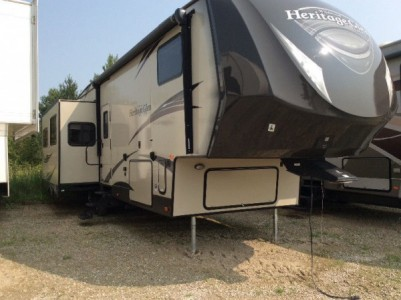 2015 Forest River Heritage Glen Lite 33ft