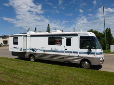 1999 Winnebago Itasca Sunflyer 34-Foot