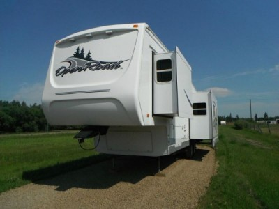 2004 Pilgrim Open Road 33-Foot