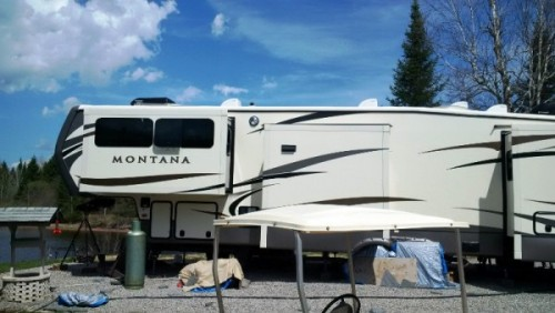 2016 Keystone  Montana 3711FL + 1997 International 4700