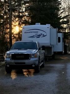 2004 Keystone Montana Mountaineer 298RL + 2011 Sierra 2500 Truck Combo