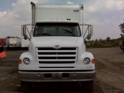2000 Sterling L7500 Van Truck