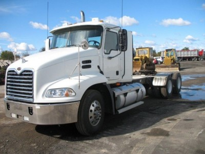 2005 MAC Granite Tri Axel Dump Truck