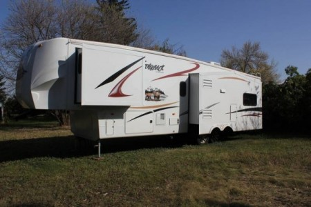 2011 Cedar Creek Silverrack 35RE