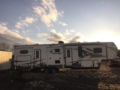 2015 Keystone Montana 356BH