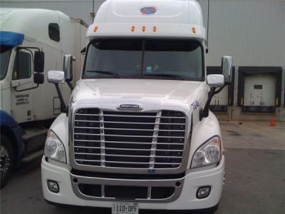 2010 Freightliner FL Cascadia
