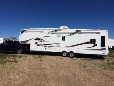 2006 Keystone Everest EV344J06