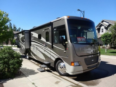 2013 Winnebago Itasca Sunstar 35B