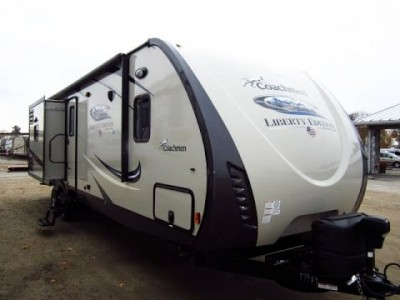 2015 Coachman Freedom Express 32Ft