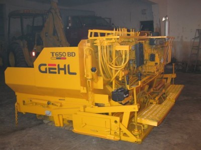 GEHL T650BD Power Box Asphalt Paver