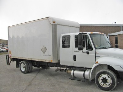 2008 International 4300 M7-16ft Box