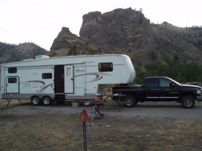 2004 Chateau Lite 29.5LH 5th Wheel 32-Foot