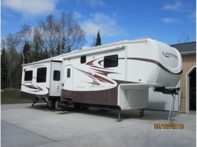 2013 Heartland Landmark + Dodge 3500 Laramie Truck
