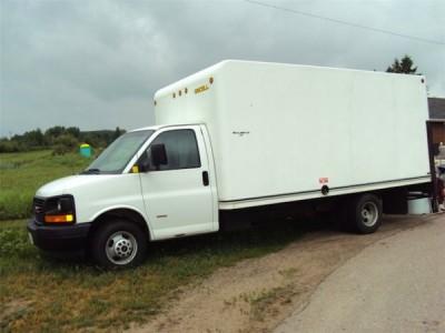 2006 GMC Savana Cube Van