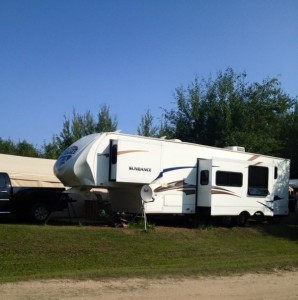 LEASE LOT - SLAVE LAKE with 2011 Heartland Sundance 35Ft